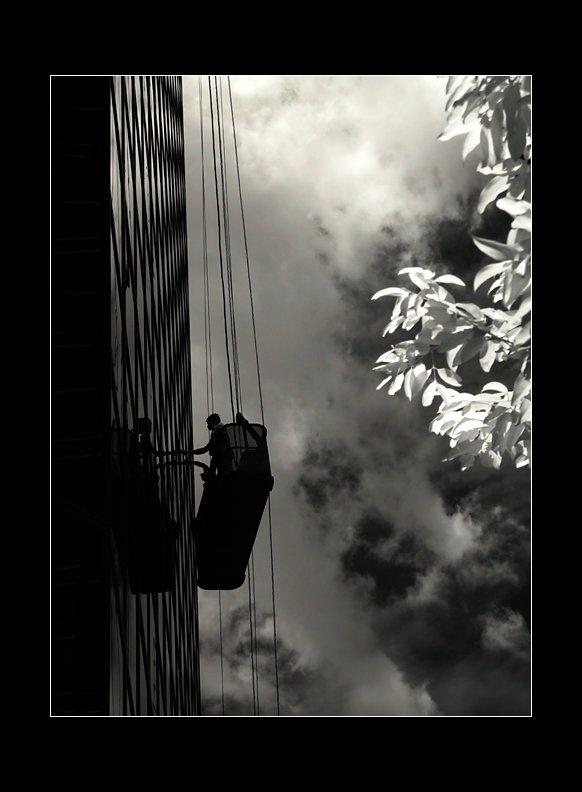 IMAGE: http://www.kleptography.com/dl/fm/darkstreet5.jpg